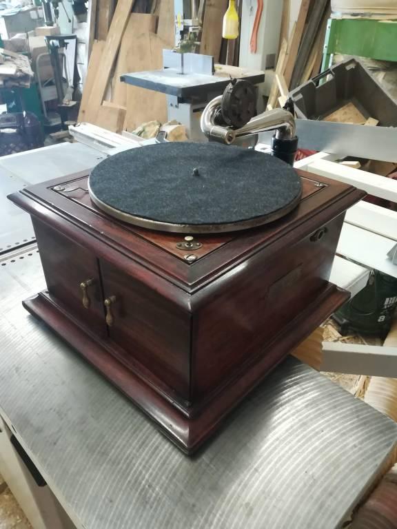 Restauro Grammofono (ridiamo voce al padrone)
