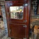Cella frigo in legno anni '40 completamente restaurata